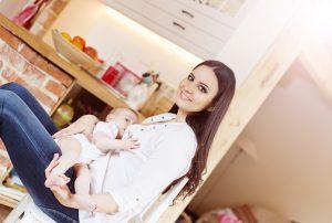 breastfeeding-467946812